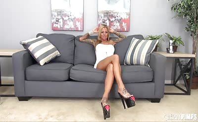 Watch Blonde Pornstar Britnet Shannon Fuck LIVE!
