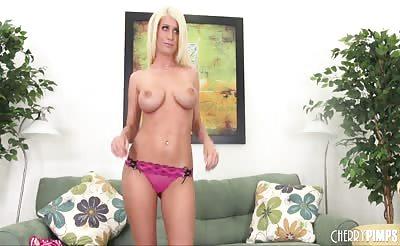 Pornstar Riley Jenner Solo LIVE