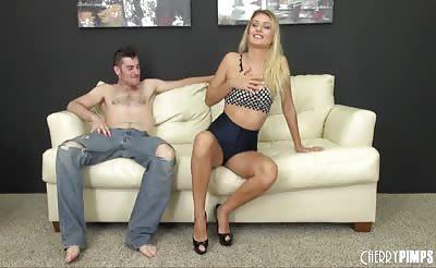 Pornstar Natalia Starr LIVE