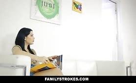 FamilyStrokes - Drunk Moms Dont Care