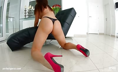Allinternal Nikki Waine has a huge ass and gets piledrived until she recieves a huge load in her asshole
