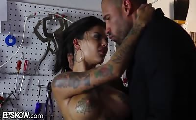 Bonnie Rotten Squirts from Anal Sex with BBC