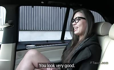 Big ass hottie bangs in fake taxi pov in public