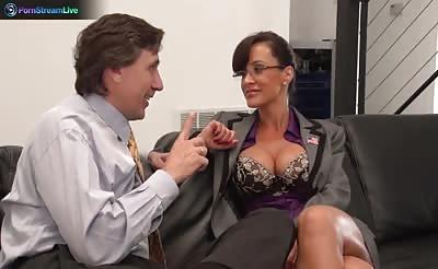 Hottie Lisa Ann hardcore fuck with her boss