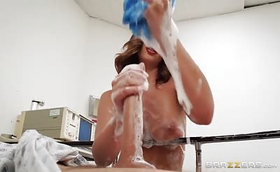 Brazzers Layla London Sponge Bath Sex