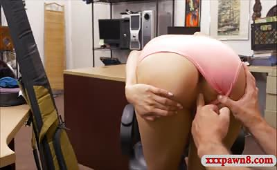 Hot amateur woman nailed by pawn keeper at the pawnshop