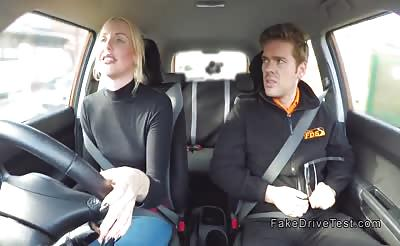 Blonde driving learner got creampie in car