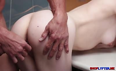 Petite shoplifter Alina West bangs with the cop
