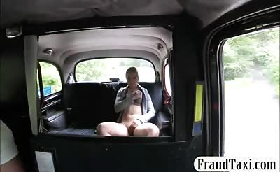 Amateur blonde babe fucked by nasty driver in the cab