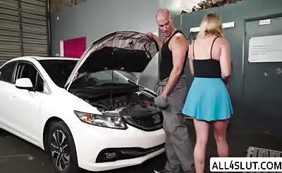 Gorgeous Hot Daisy fucks a Mechanic in a Car repair Shop