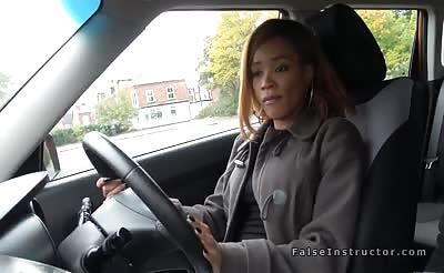 Big booty ebony bangs in driving school