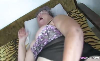 OmaHunt - BBW granny and lesbian in action