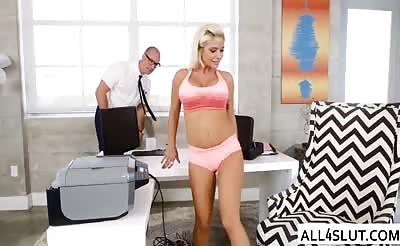 Sara bang her cute pussy in the office