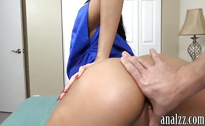 Bubble butt gf tries out anal fucking and caught on cam
