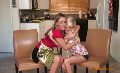 MILF Tanya Tate seduces cute blonde