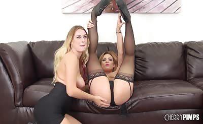 Pornstars Natalia Starr and Dahlia Sky LIVE
