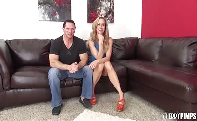Gorgeous Blonde Brandi Love LIVE