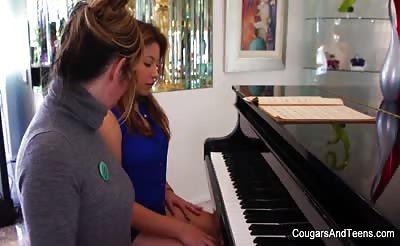 Brunette hottie gets her hairy pussy eaten by her piano teacher
