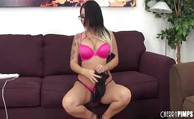 Super Star Eva Angelina LIVE